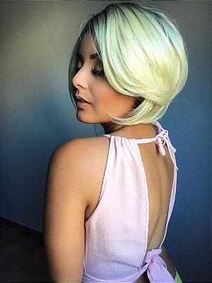 Peruca lace front wig chanel nuca batida e raiz esfumada com loiro clarissimo - PRONTA ENTREGA