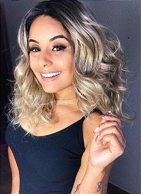 Peruca lace front wig curta cacheada loira com raiz escura - Lux  - PRONTA ENTREGA