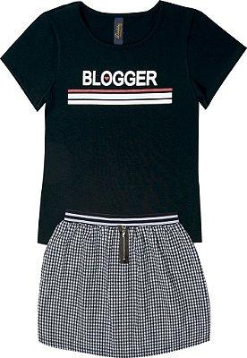 Conjunto em Blusa Blogger e Saia com Zíper Preto