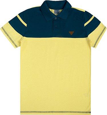 Polo em Meia Malha Penteada com Recorte Amarelo/Azul