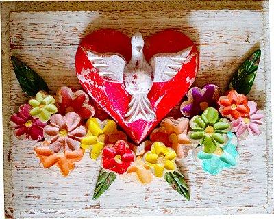 Quadro Divino Espírito Santo Pátina Fundo Branco e Flores Coloridas Trabalhadas (25x20cm)