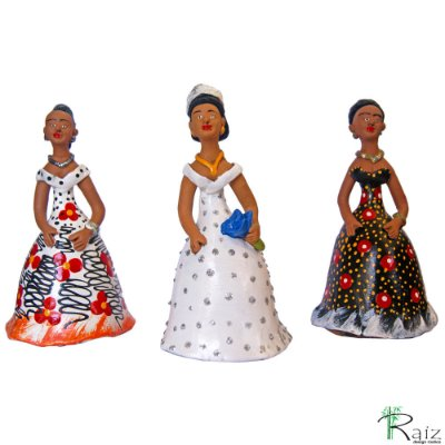 Trio de Bonecas de Cerâmica Dondocas com Noiva