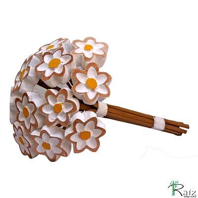 Buque de Flores Brancas (Dúzia) Entalhado na Madeira P