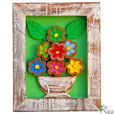 Quadro Vaso de Flores Coloridas Fundo Verde Rústico