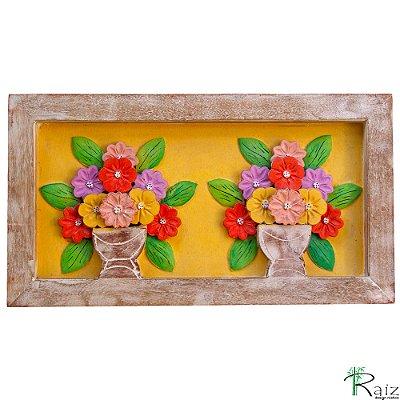 Quadro Dois Vasos de Flores Fundo Amarelo Rústico