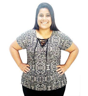 Blusinha Feminina Plus Size Estampa Cinza Decote V Com Cordão
