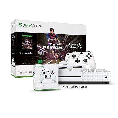 Console Xbox One S 1Tb Branco Pes 2020 com 2 Controles Sem Fio