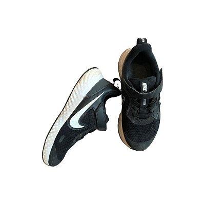 Tênis Nike Preto e Branco