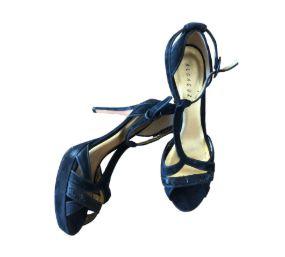 Sapato Salto Alto Preto com Lantejoulas Alcaçuz