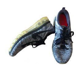 Tênis Preto e Cinza Nike