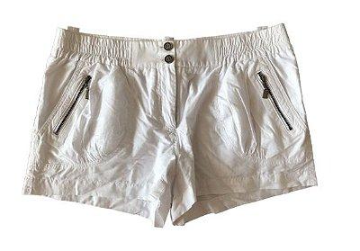 Shorts Branco Cris Barros