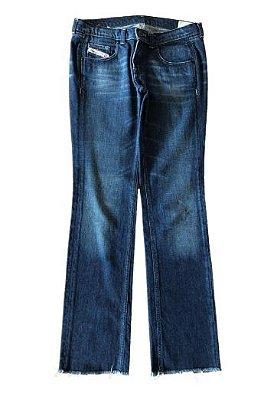 Calça Jeans Escura com Barra Desfiada Diesel