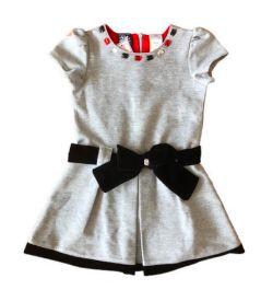 Vestido Cinza com Laço de Veludo Preto e Bordado So La Vita