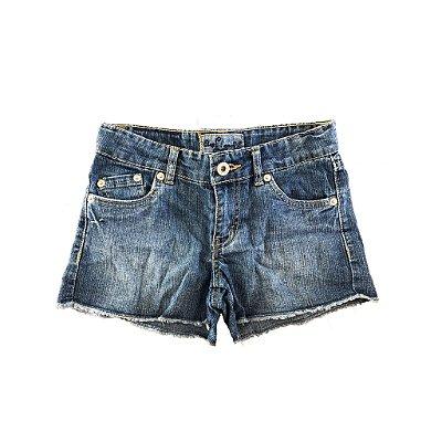 Shorts Jeans Desfiado em Barra Levi's