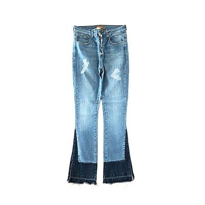 Calça Jeans Flare Barra Jeans Escura Letage