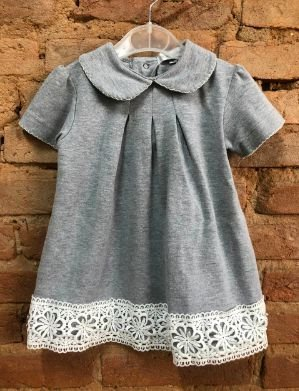 Vestido Moletom Infantil Cinza com barra em Renda