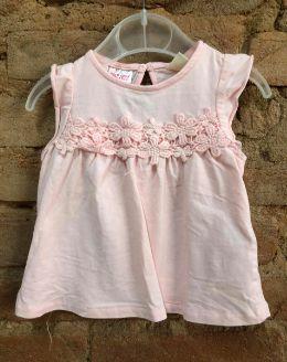 Camiseta Zara Infantil Rosa com Aplique de flores