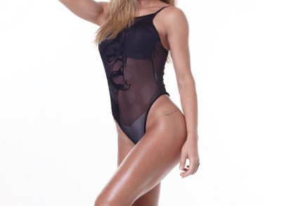 Body Dark Metal Show Your Curves