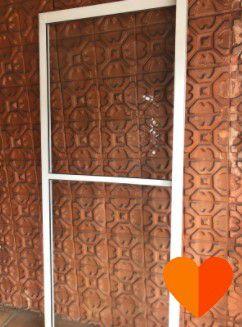 Porta de Abrir e Vidro Fixo com Perfil em Aluminio 4 Folha de Correr (Disponibilidade: 1 Peça)