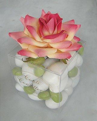 Caixa Acetado 6 x 6 x 6 cm com flor 160 gr amêndoas confeitadas sabores e cores variados