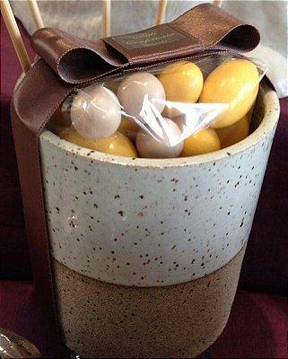 Porta utensílio de cerâmica com 200gr de amendoas sabores e cores variados
