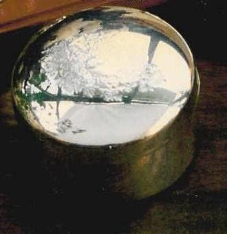 Caixinha redonda em prata 8 x 4 cm
