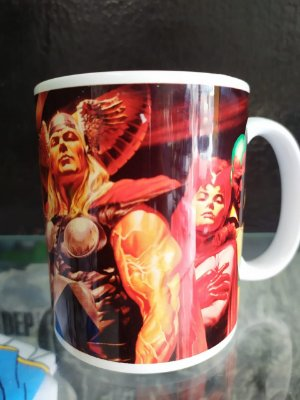 Caneca Marvel Alex ross