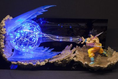 Luminária Goku Kamehameha