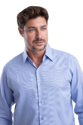 Camisa Maquineta Pontilhado – 100% algodão fio 70 (azul-claro/branca)