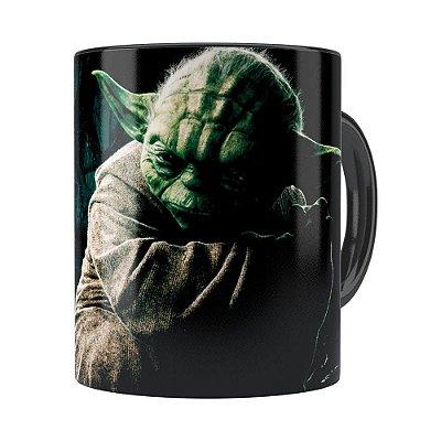 Caneca Star Wars Mestre Yoda 03 Preta