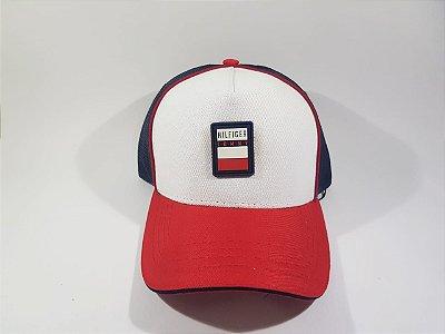 Boné Trucker Strapback Tommy Hilfiger- Branco, Azul Marinho e Vermelho