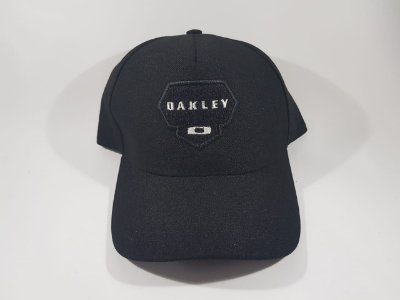Boné Snapback OAKLEY - Aba curva - Preto