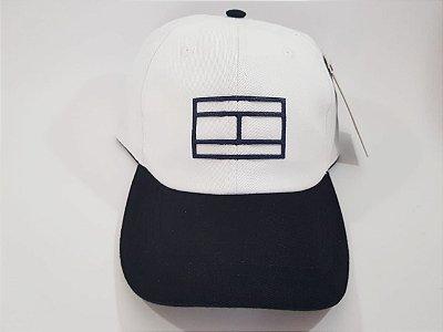 Boné Snapback Tommy Hilfiger - Aba curva - Branco e Preto