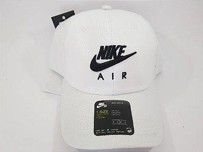 Boné Strapback Nike - Aba curva - Branco