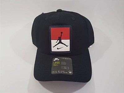 Boné Strapback Jordan Nike - Aba Curva - Preto