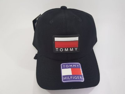 Boné Strapback Tommy Hilfiger - Aba curva - Preto