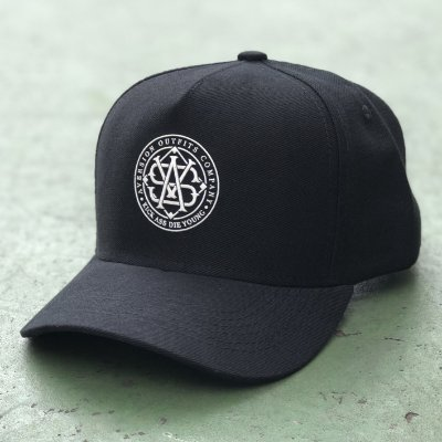 Boné Aversion Snapback Aba Curva Preto - Model Monogram