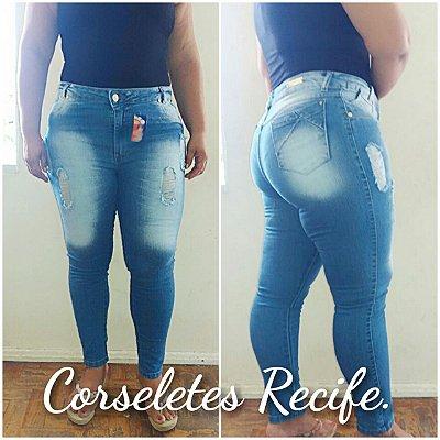 Calça Jeans com lycra plus size