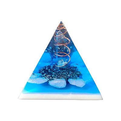 Pirâmide Orgonite Azul de Quartzo