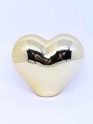 Coração dourado decorativo