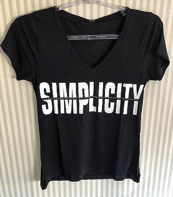 Tshirt Simplicity preta