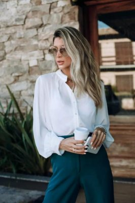 Camisa detalhes off white