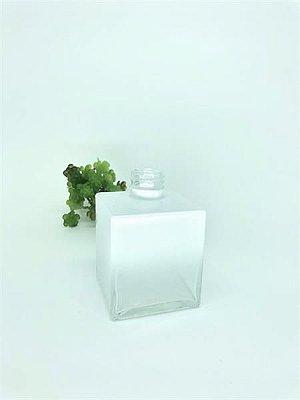 Vidro cube 250ml branco (s/ válvula)