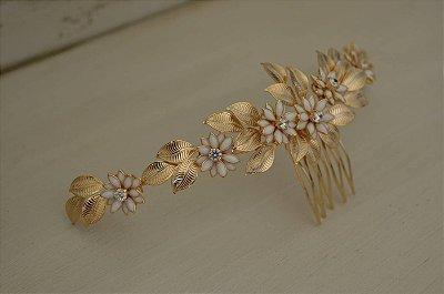 Pente medieval floral