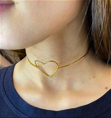 Choker Coração Vazado Dourada