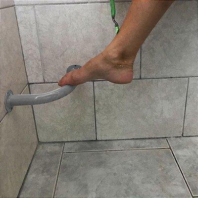 Barra de Apoio de Banheiro para Lavar os Pés e Depilar - Prata