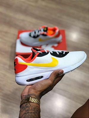 Tênis Nike Oketo