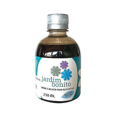 Fertilizante Orgânico Mineral Jardim Bonito - 250ml - 10ml por litro de água a cada 15 dias. Se usado em apenas uma planta, dura 1 ano. Em São Leopoldo no Bairro Rio Branco.