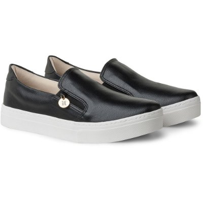 SLIP-ON IT – BASIC BLACK