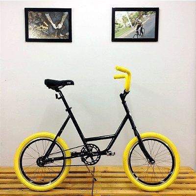 Nuvenzinha Yellow Tire
